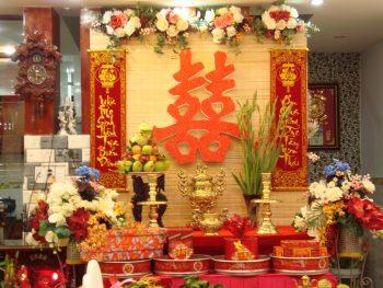 Những đồ vật không thể thiếu trên bàn thờ lễ ăn hỏi của người Việt